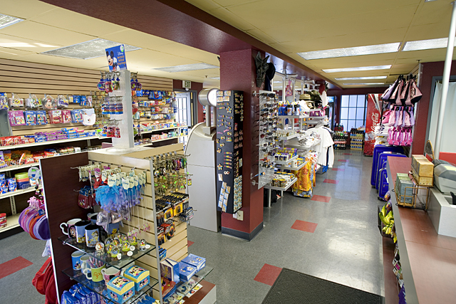 Gift Shop at Castle Inn and Suites